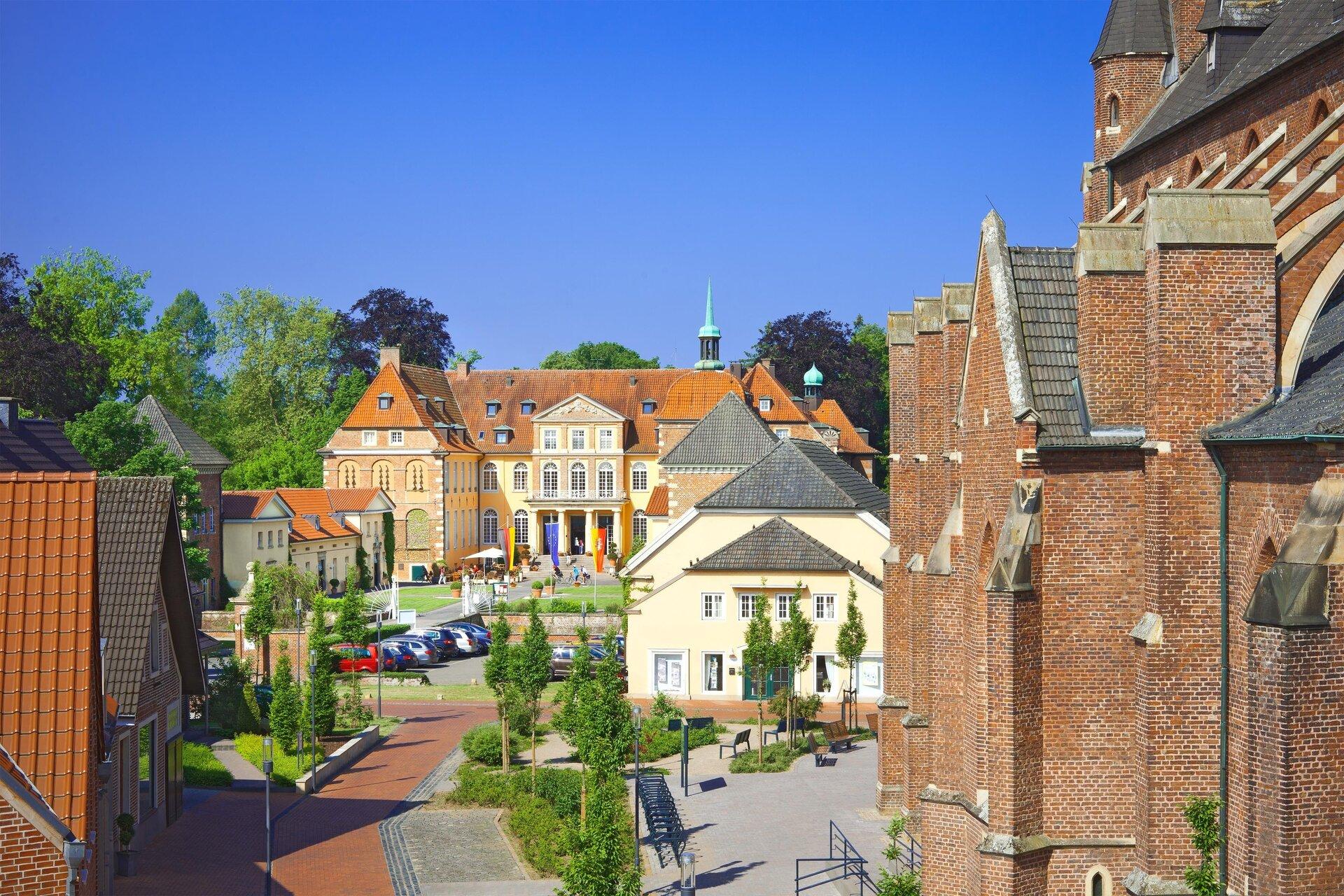 Schloss Velen und St. Andreas Kirche