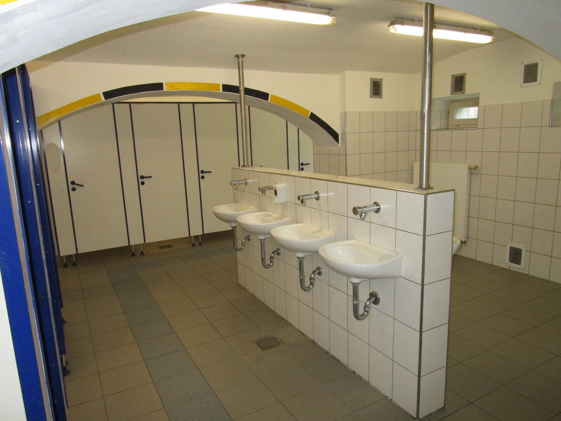 Toiletten der Jungen