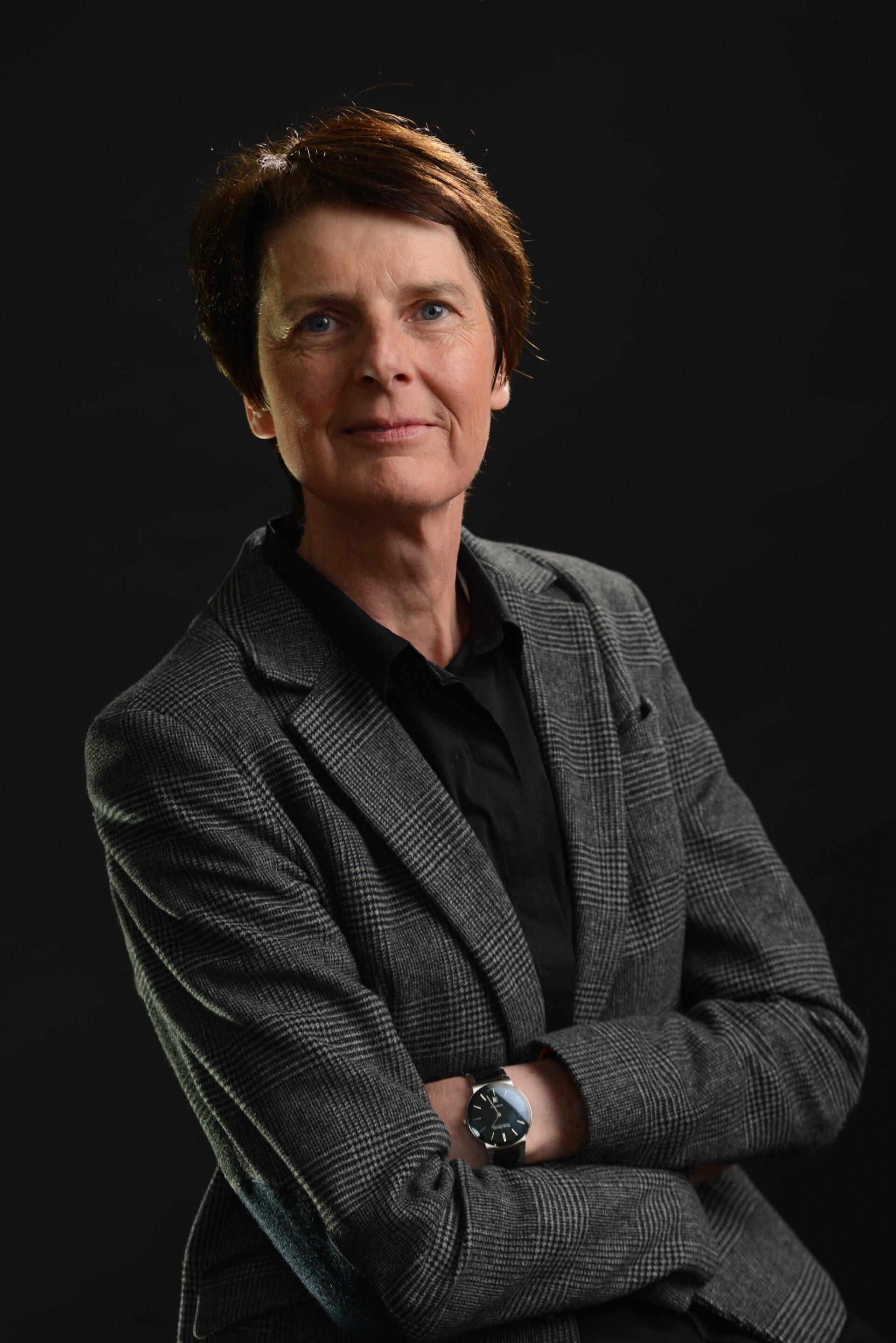 Prof. Dr. Angela Schwarz