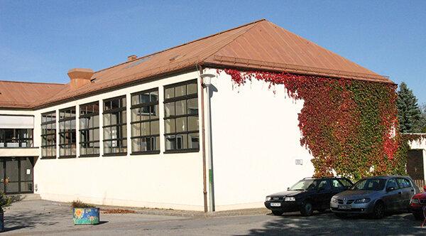 Turnhalle-NeukirchenvormWald