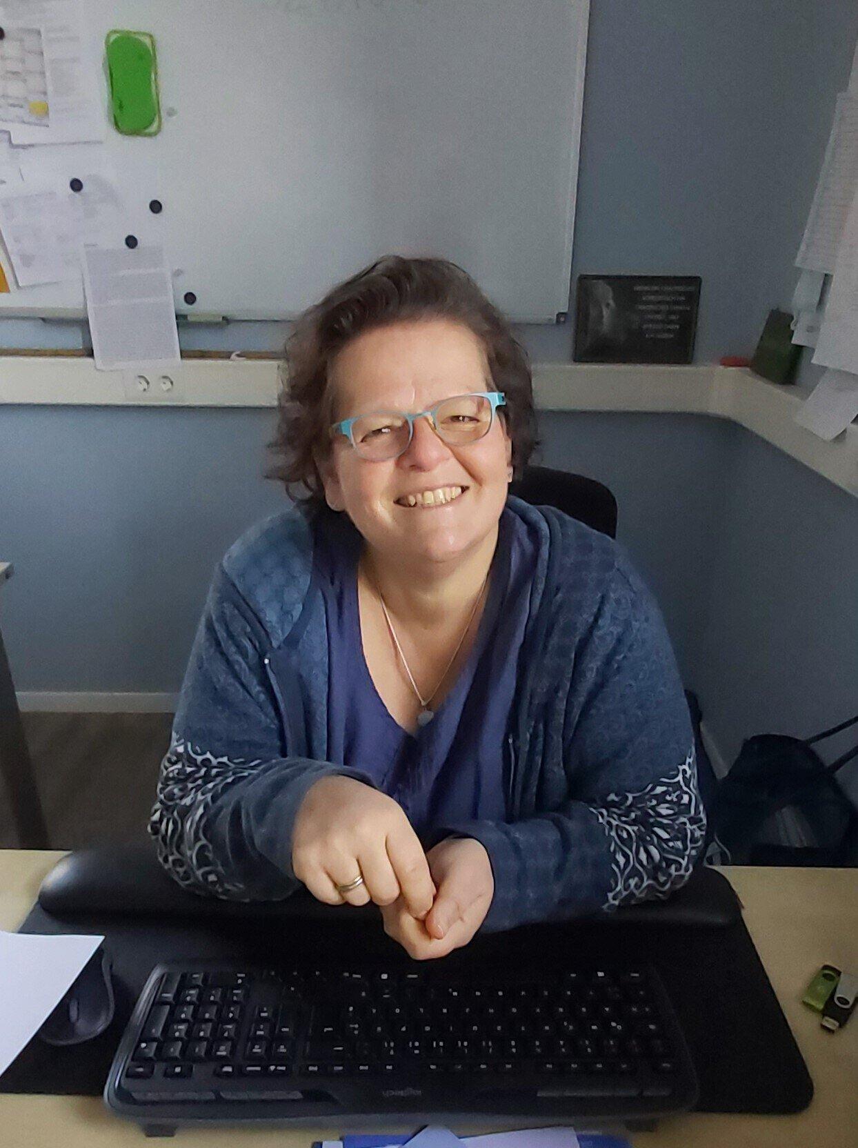 Frau MaikeHansen, Schulleitung