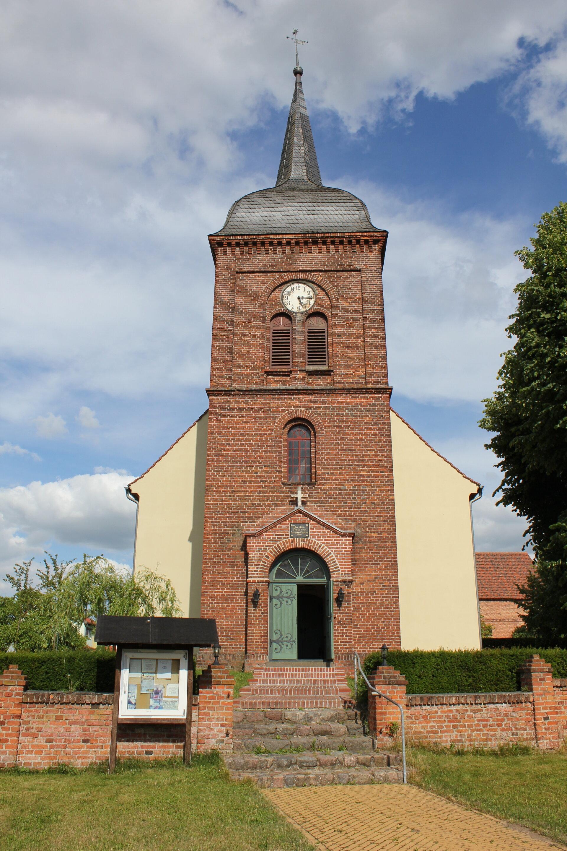 Kirche Kleßen Turmseite