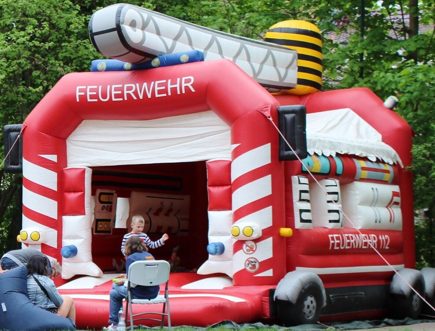 Feuerwehr-Hüpfburg
