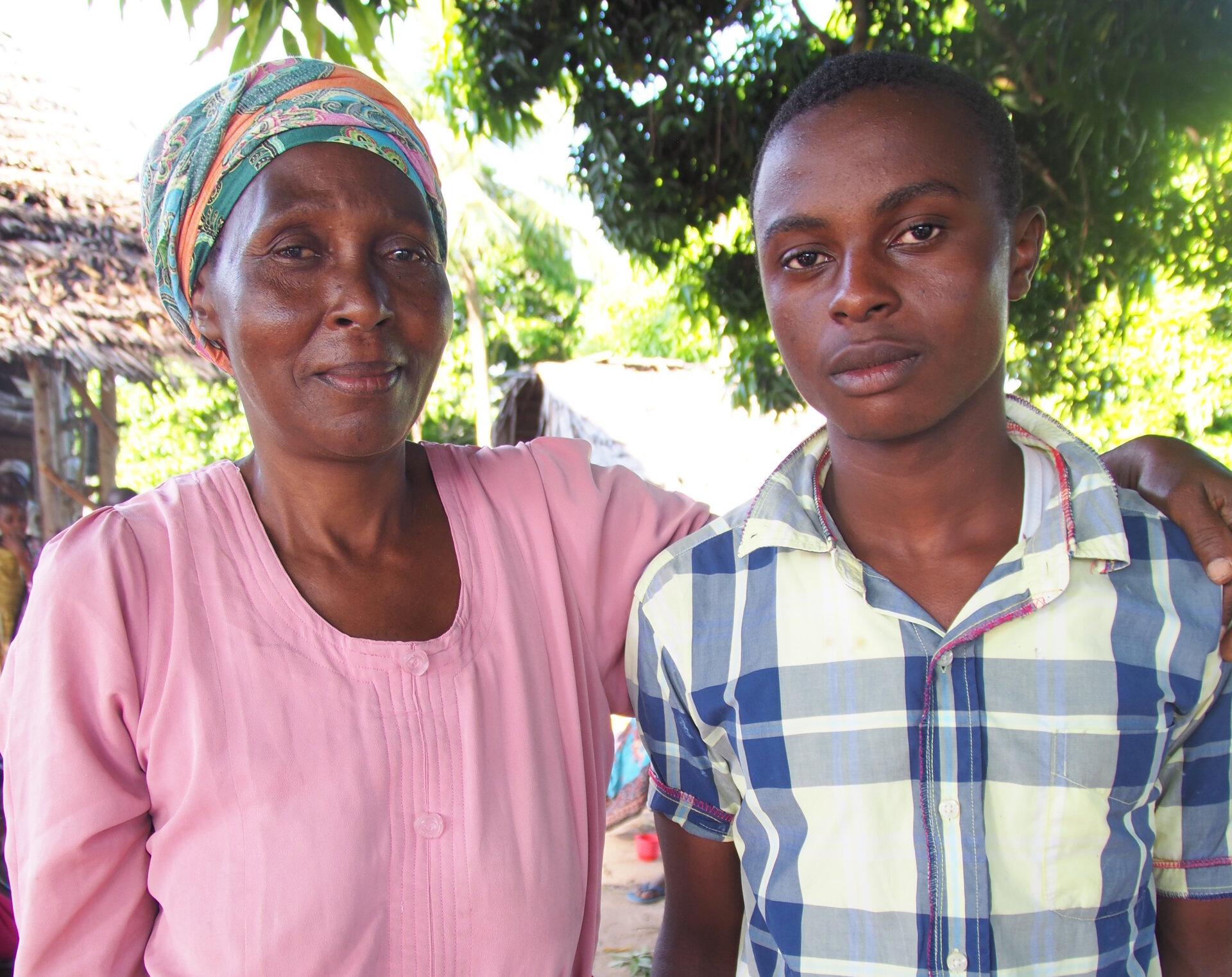 Ali mit Mutter