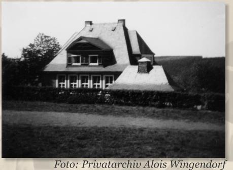 195695