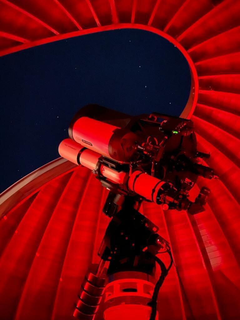 Hauptbeobachtungsinstrument bei Nacht