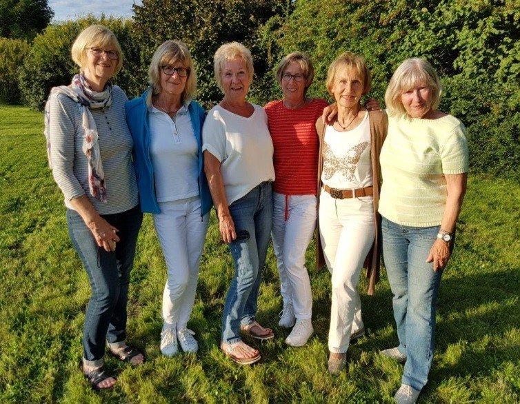 v.l.: Karen Pump, Annette Uechtritz, Renate Schrul, Christel Brinkmeier, Elfi Jung, Johanna Tietze