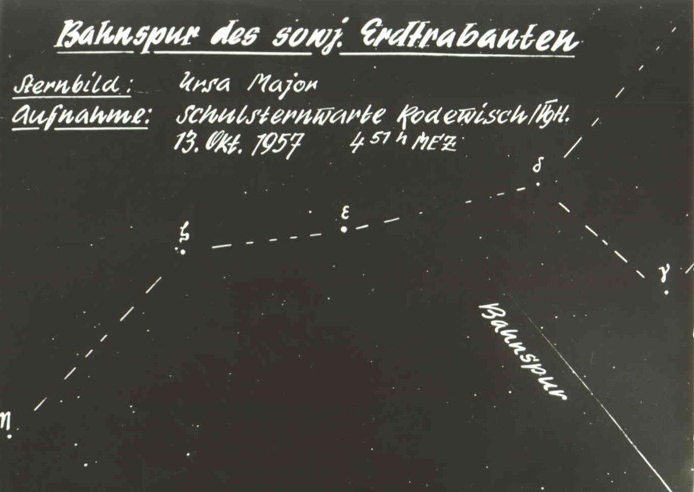Erste Bahnspuraufnahme von Sputnik 1