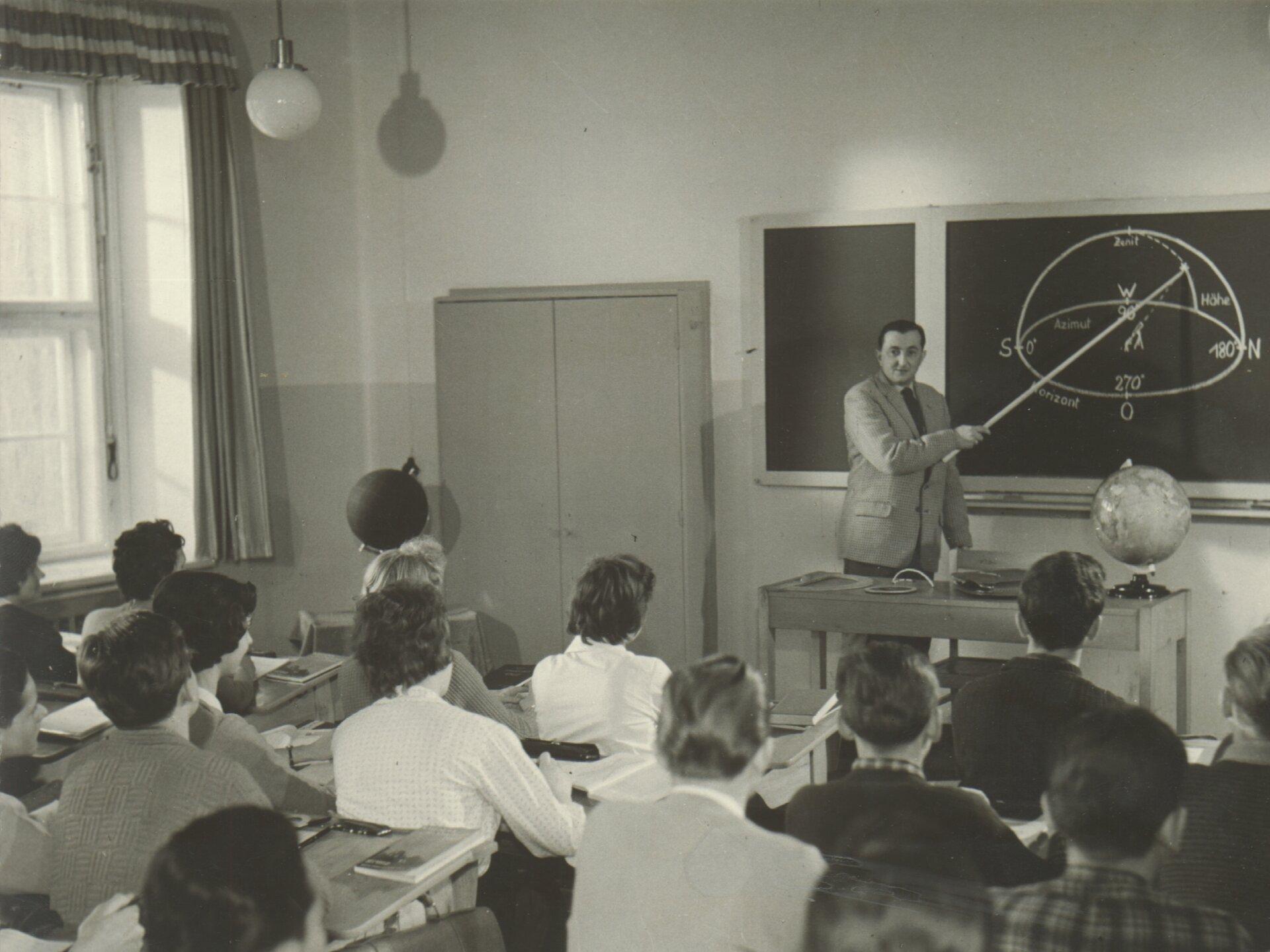 Prof. Penzel im Unterricht