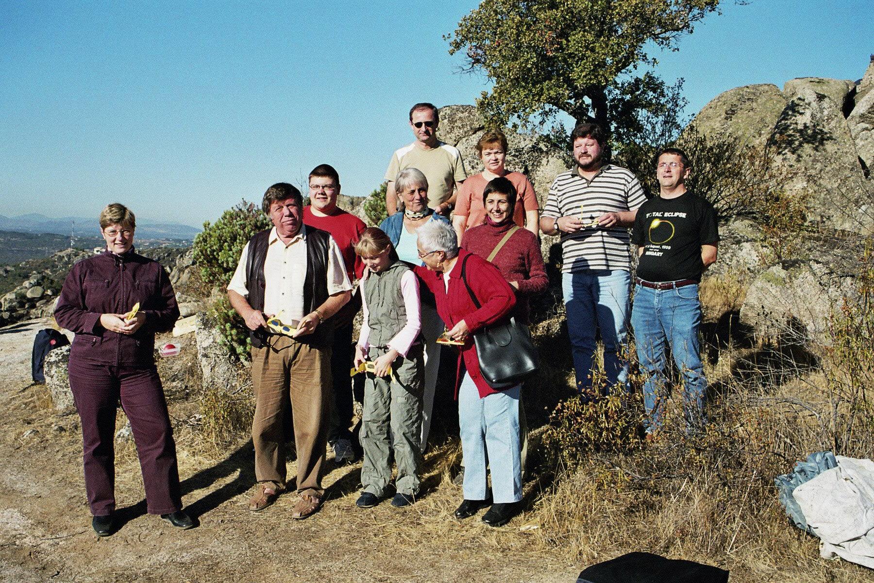 Reisegruppe gemeinsam mit einheimischen Beobachtern