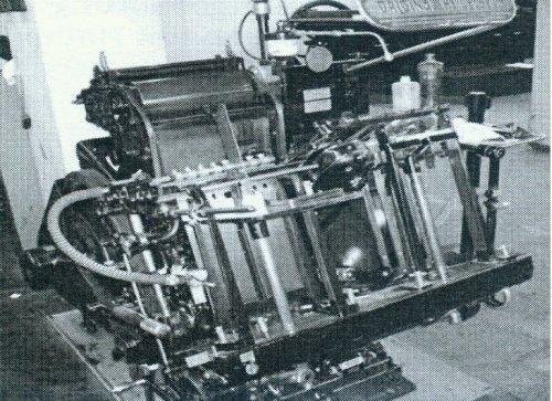 Heidelberger Tiegeldruckpresse aus dem Jahr 1950, auf der der Neudruck hergestellt wurde.