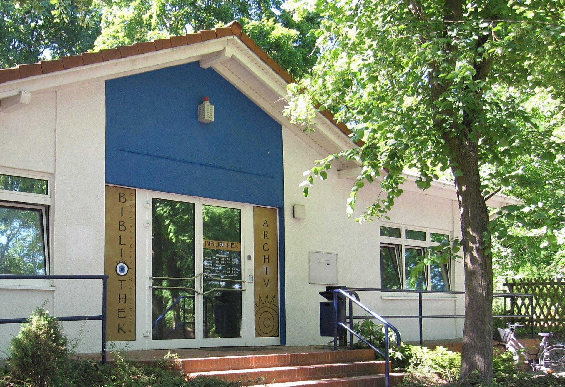 Eingang Gemeindearchiv und Bibliothek