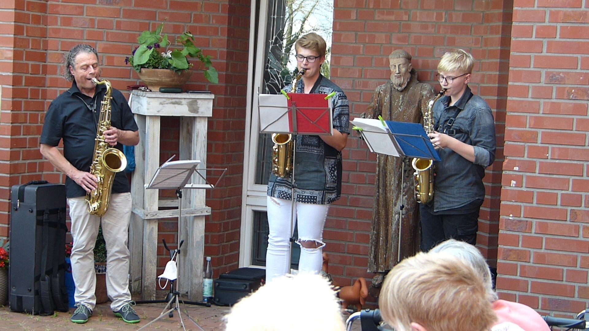 Das Saxsofon-Trio der Musikschule Borken im Haus St. Ludgerus in Groß Reken. Foto: Bürgerstiftung WML