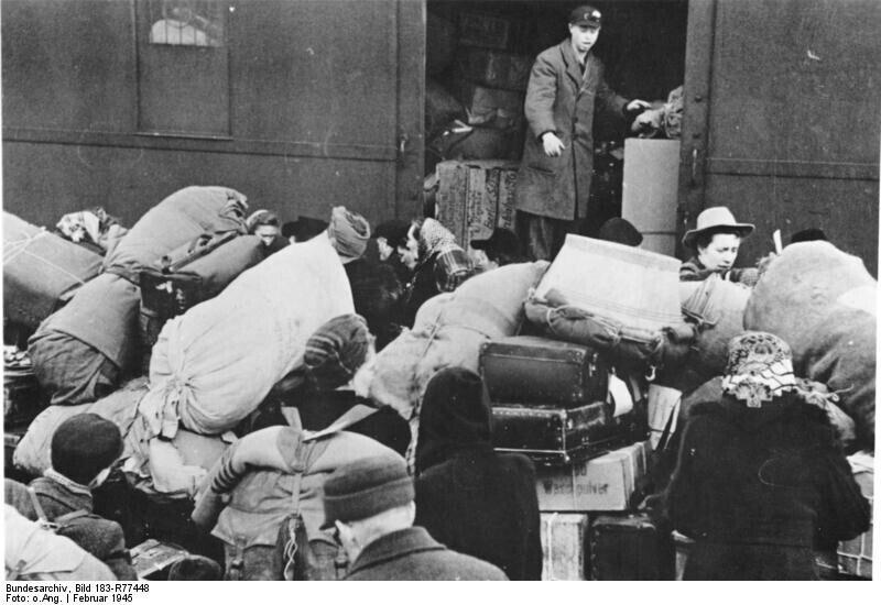 Refugees from the East, Berlin, February 1945; https://commons.wikimedia.org/wiki/File:Bundesarchiv_Bild_183-R77448,_Berlin,_Fl%C3%BCchtlinge_aus_dem_Osten.jpg