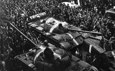 The invasion of tanks of the Warsaw Pact countries in Czechoslovakia; https://commons.wikimedia.org/wiki/File:Praga_11.jpg
