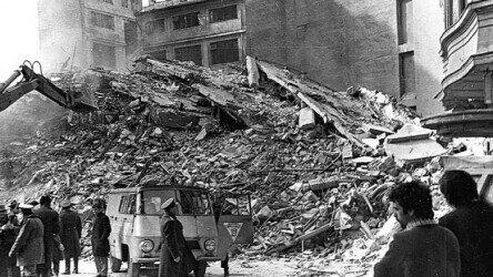 Earthquake in Bucharest 1977. https://www.digi24.ro/stiri/actualitate/44-de-ani-de-la-cutremurul-din-4-martie-1977-peste-1-500-de-oameni-au-murit-si-11-300-au-fost-raniti-in-urma-seismului-de-72-grade-1462225