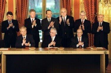 Slobodan Milošević, president of Federal Republic of Yugoslavia (from Serbia), Franjo Tudjman (President of the Republic of Croatia) and Alija Izetbegović (leader of Bosnian Muslims) at the official signing of Dayton Agreement in Paris, December 14th 1995.  https://commons.wikimedia.org/wiki/File:Signing_the_Dayton_Agreement_Milosevic_Tudjman_Izetbegovic.jpg