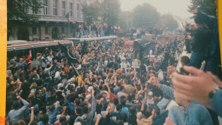 View on the King Aleksandar I Boulevard near the building of Parliament on October 5th 2000. Private collection.