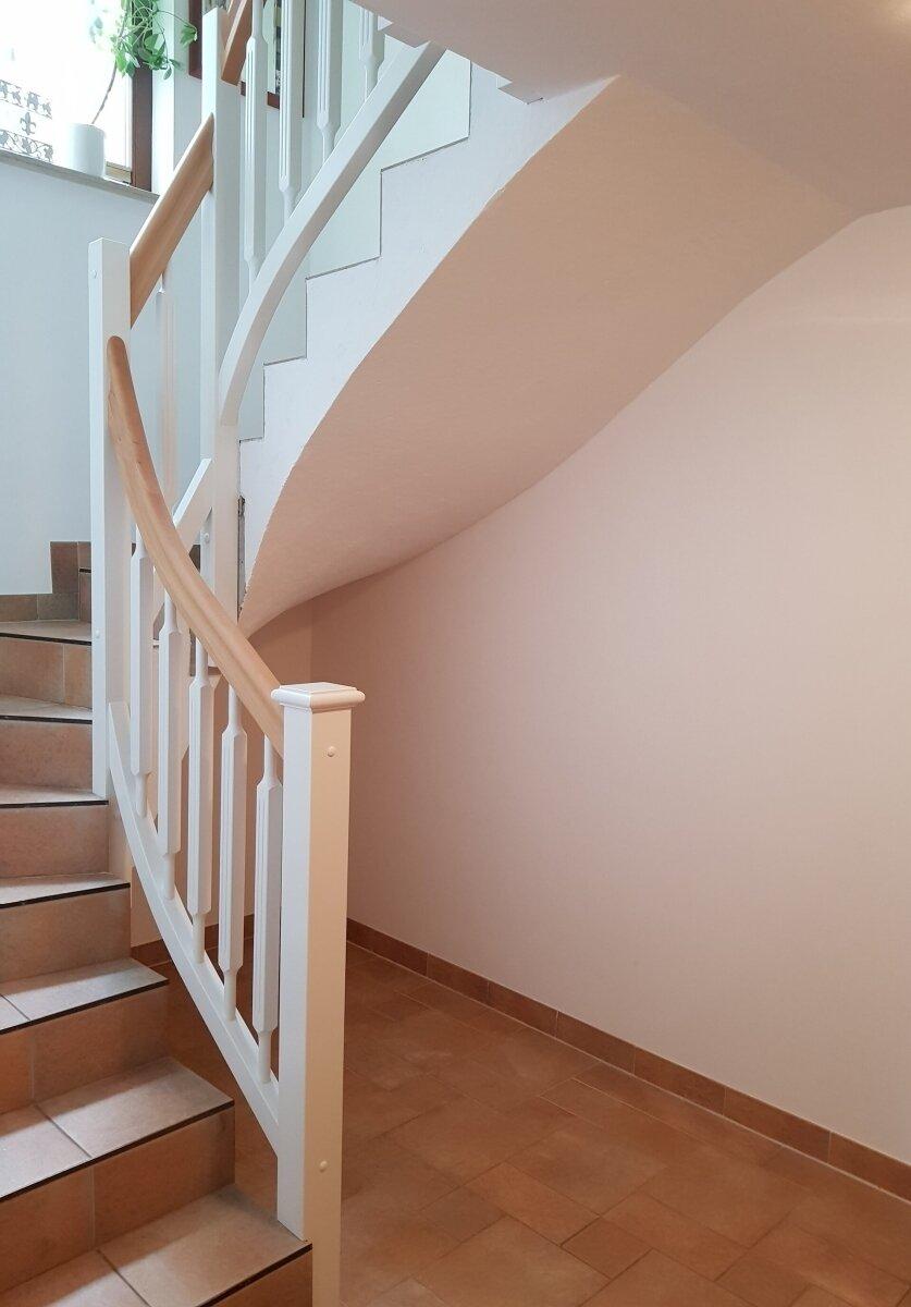 Treppengeländer an Betontreppe