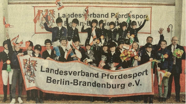 So sehen Vizemeister aus: Nach der Goldmedaille im Vorjahr holte das Team Berlin-Brandenburg beim Bundesvierkampf diesmal Silber.