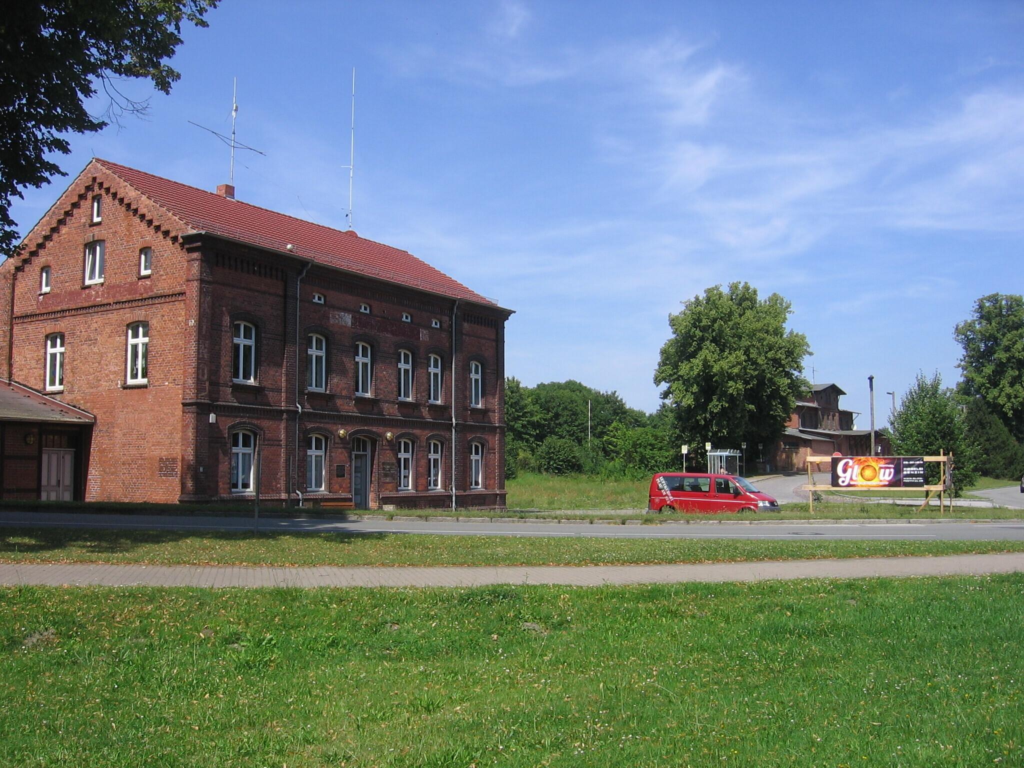 KiJuZ am Bahnhof