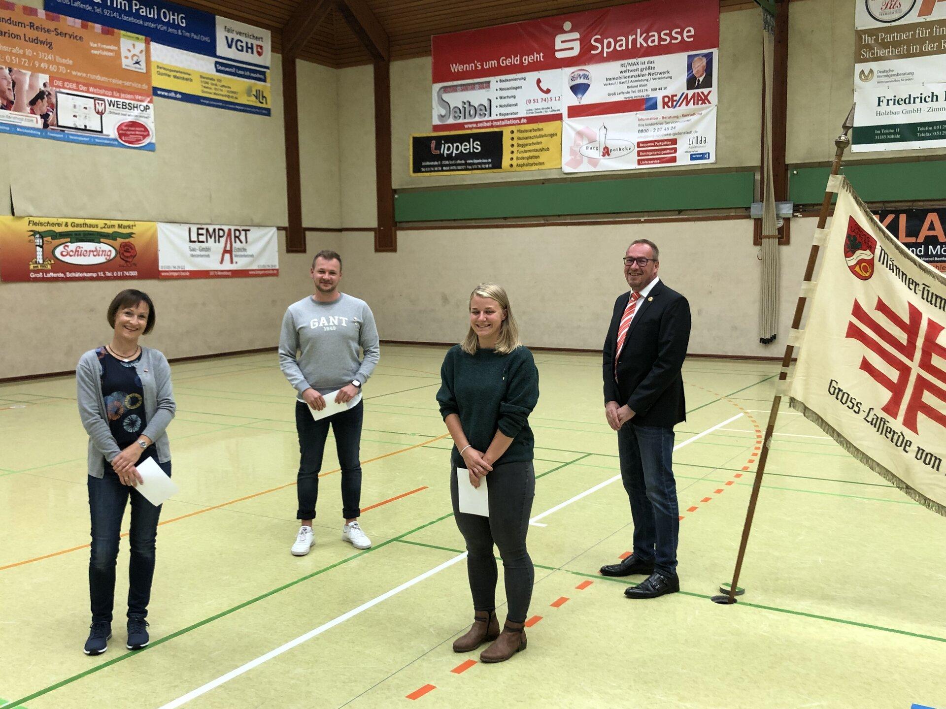 Vereinsnadel in Bronze (25 Jahre Mitgliedschaft): Petra Grunst, Lukas Bühn, Johanna Wesche, Andreas Winkler (v.l.)
