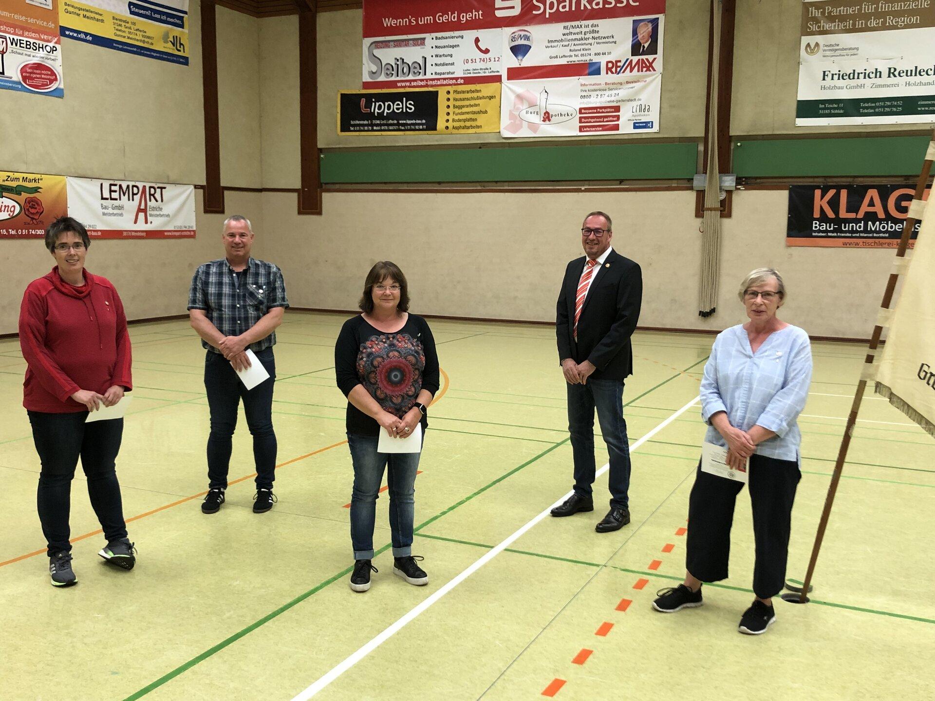 Vereinsnadel in Silber (40 Jahre Mitgliedschaft): Nicole Kohlhase, Stefan Kretzschmar, Anke Brinsa, Andreas Winkler, Marion Priebe (v.l.)