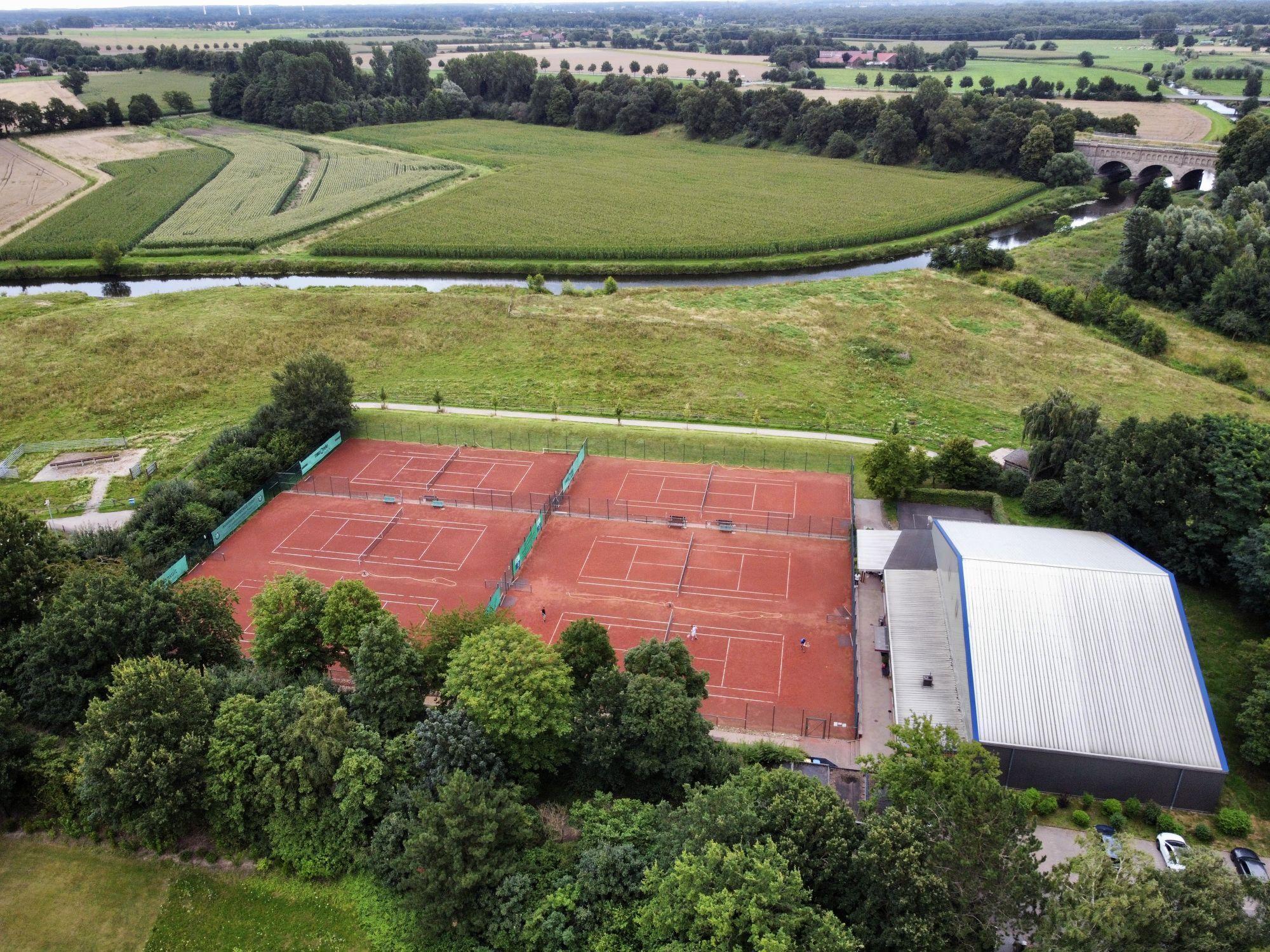 Tennisanlage_Luftbild_Drohne