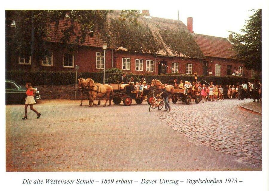 Quelle: Westensee - Chronik eines adligen Kirchdorfes, 1985