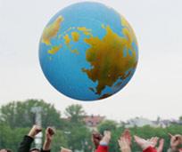 Auf der Theresienwiese: München rockt hier für Eine Welt.  -  2. Ökumenischer Kirchentag 2010. - Foto: Nadine Malzkorn