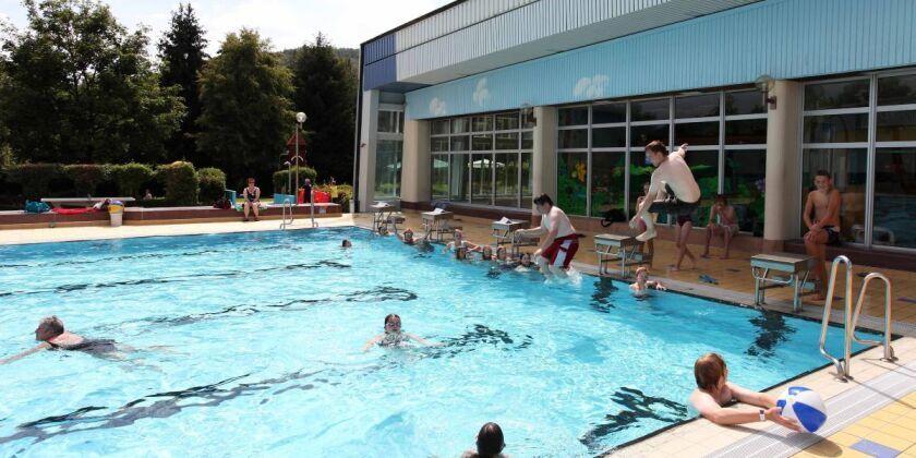 Wandelbares Schwimmbad,Hallen-oder Freibad