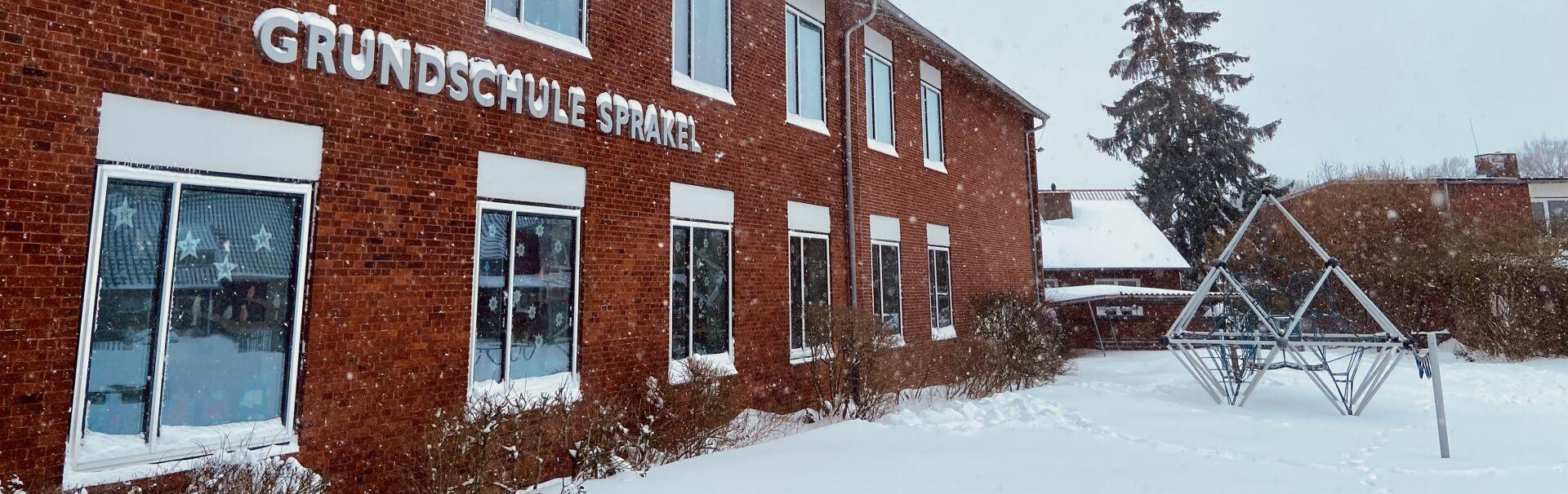 Schule-Schnee-gross
