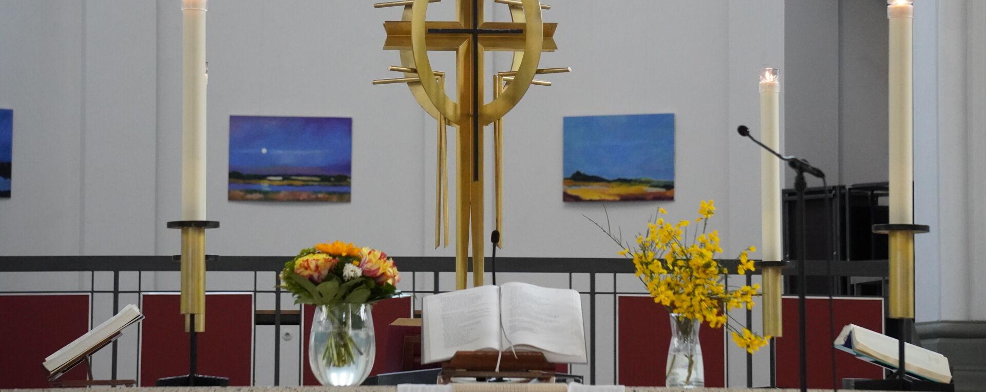 Altar St. Thomas mit Landschaften von Marie Sander