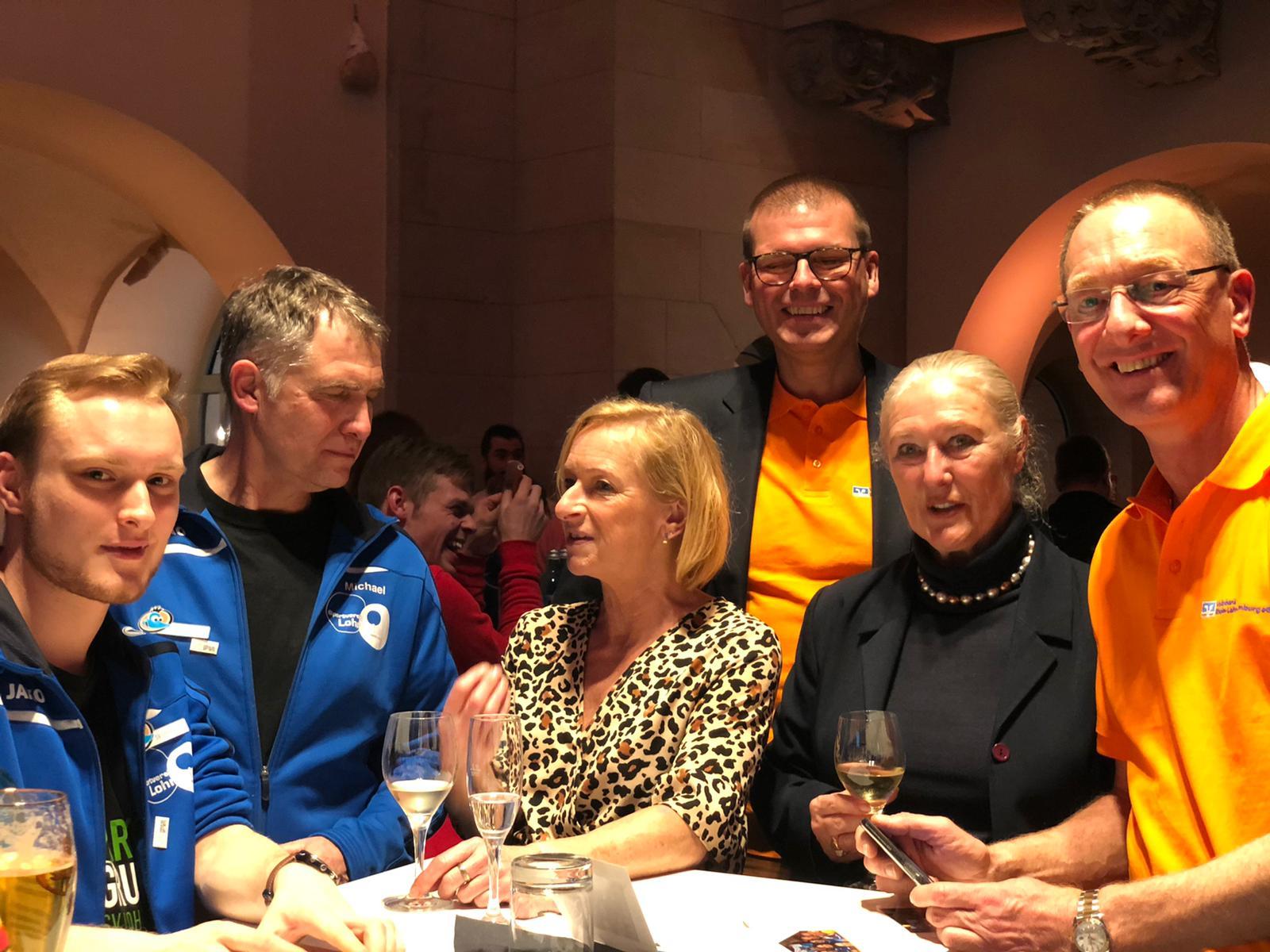 Sterne des Sports - Berlin 2020 - Empfang | Vertreter des SV Lo, der VoBa RLL und des LSB RLP im Gespräch