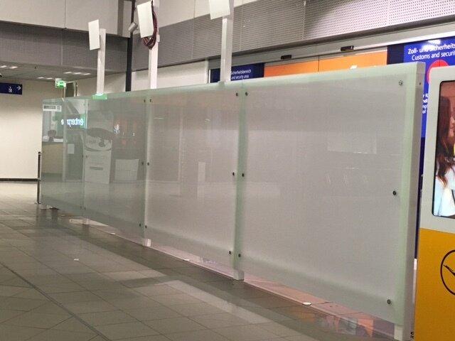 Glaswand Werbetafeln aus Glas