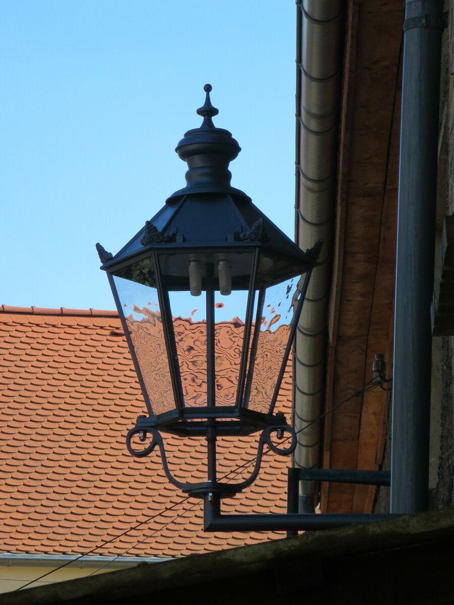 Neuverglasung historischer Lampen