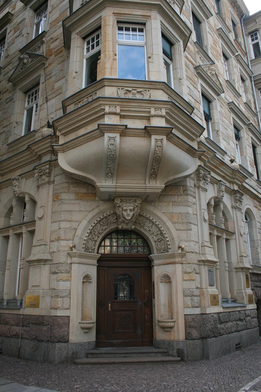 Rekonstruktion von alten Tür und Fensterelementen
