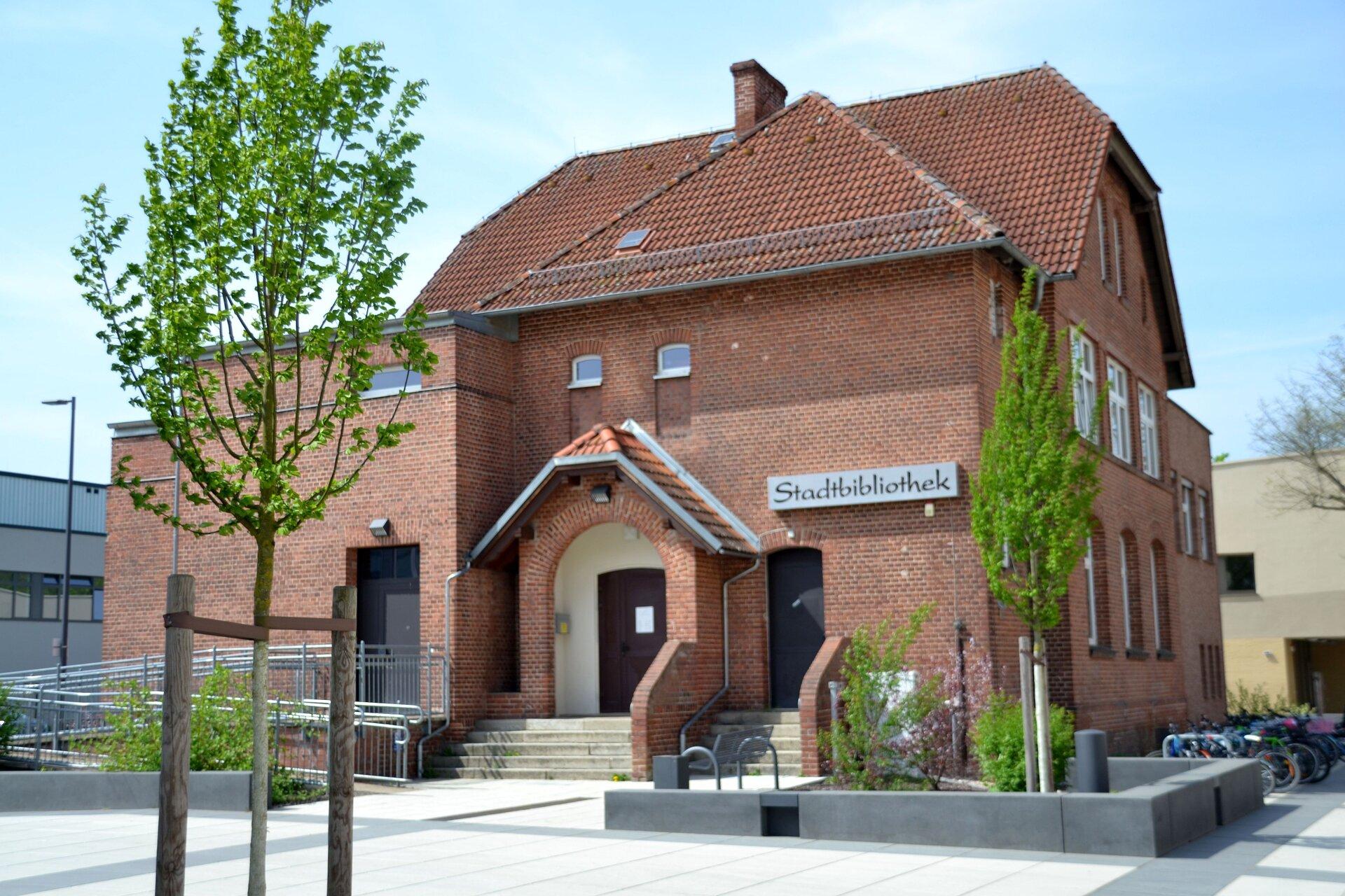 Die Falkenseer Stadtbibliothek hält ein breites Angebot an Medien bereit.