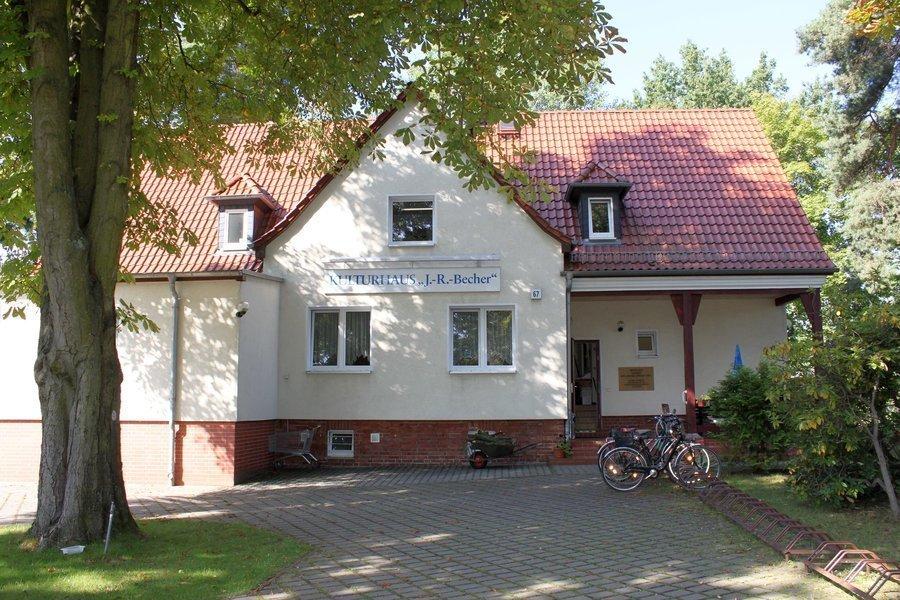 """Das Kulturhaus """"Johannes R. Becher"""" ist kultureller Treffpunkt für zahlreiche Gruppen."""
