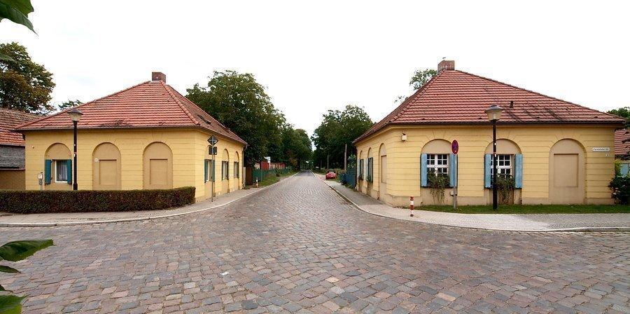 Torhäuser (Foto U. Steckhan)