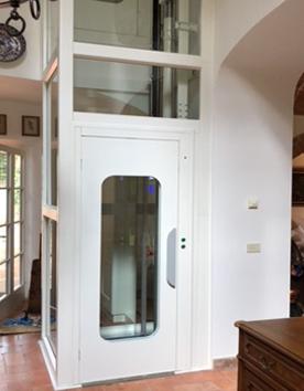 Homelifte Monte Rosa stilvoll im Innenbereich integriert