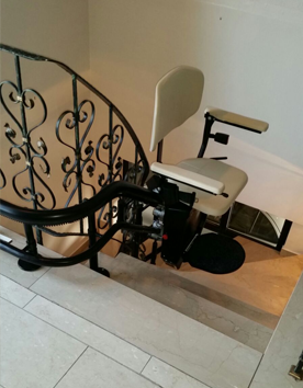 Treppenlifter Euro für kurvige Treppen