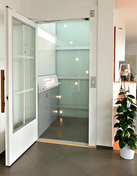 Senkrechtlifte A6000 mit luxuriösen Glaselementen
