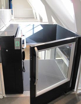 Senkrechtlift A7000 für Barrierefreiheit in einem Bürogebäude