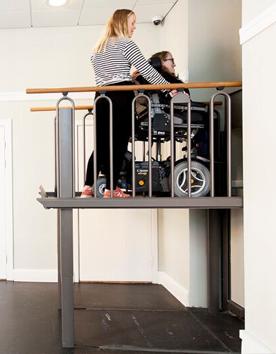 2-in-1 Lifttreppe kombiniert Treppe und Hebeplattform