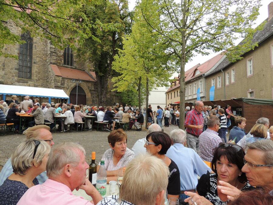Weindorf auf dem Kirchplan
