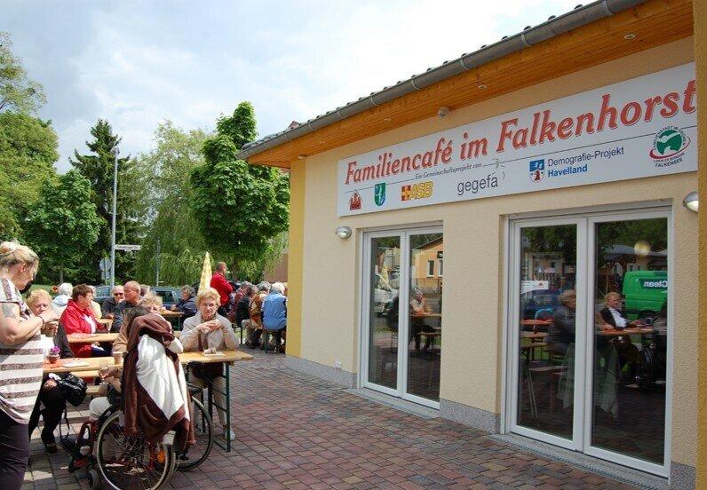 Familiencafé im Wohngebiet Falkenhorst