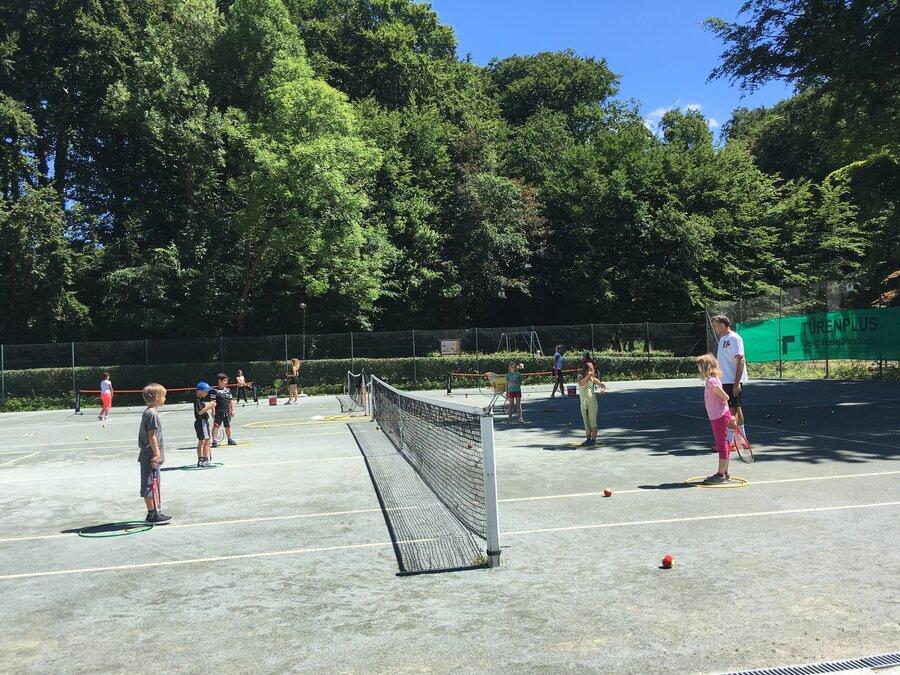Ebene2_Bild_Tennis_2