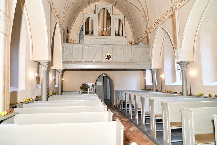Das Kirchenschiff (Foto: Uwe Steckhan)