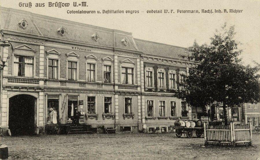 Haus am Markt ca. 1905, ©Stephan Becker, Brüssow